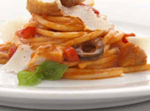 Chicken A La Cacciatore Pasta - A mouth-watering chicken pasta that's easy to prepare for impromptu family gatherings. Recipe - Pasta, Party Food & Cocktails, Filipino recipes,
